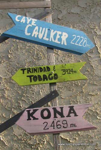 island sign posts