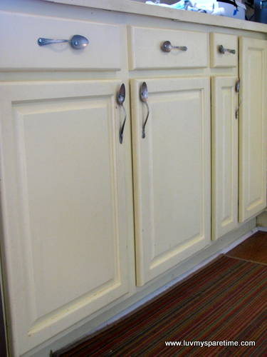 Silverware drawer pulls